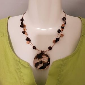 TORTIOUS SHELL NECKLACE